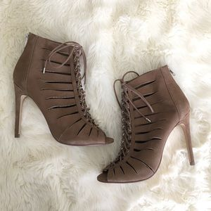 Steve Madden Leather Cyder Heels